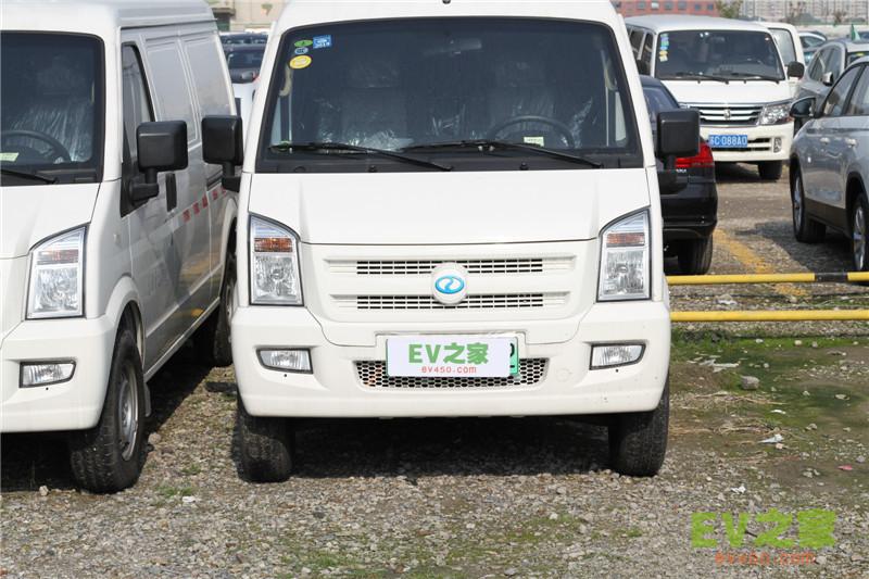 瑞驰EC35电动面包车