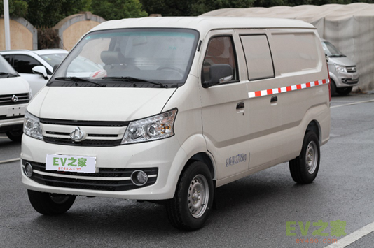 「长安V5」最便宜的电动面包车–长安V5新能源面包车