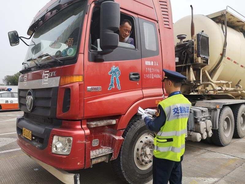 【监管】沪交通、公安部门持续整治车辆超限运输