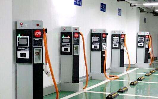 截至10月 全国充电桩保有量达到114.4万台