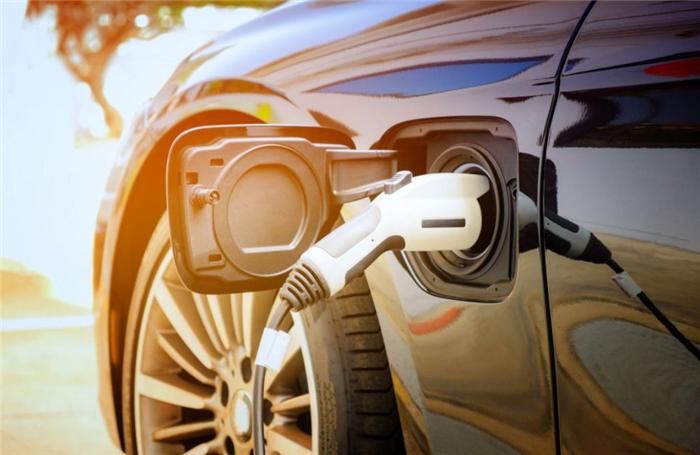 工信部为新能源汽车降低门槛,促进业态新合作形势?