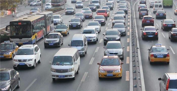 重要提醒!成都市货车通行政策有变!新能源货车全天不限行