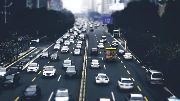 深圳交警:继续对新能源纯电动货车实施通行优惠政策!