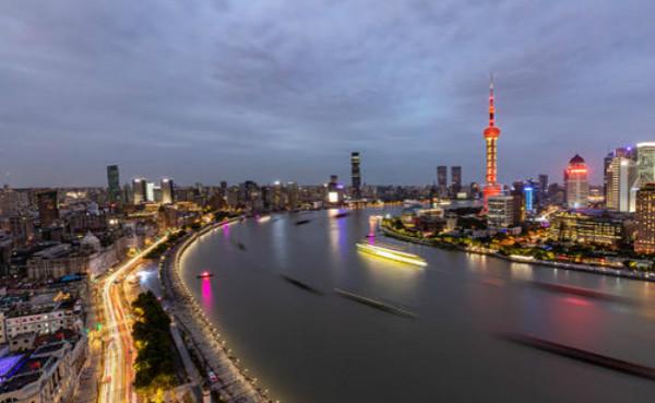 """上海:购物节庆""""撬动""""市场复苏 线上线下零售消费两月超五千亿元"""