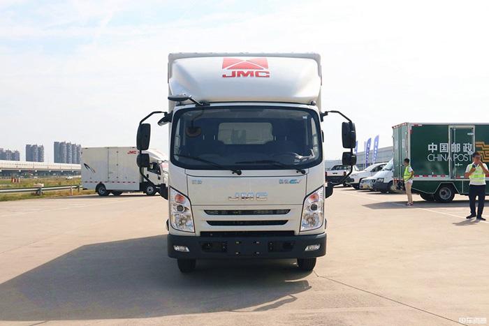 合法多拉 江铃凯锐EV二代货箱容积可达18.5m³