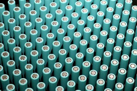 """动力电池产业竞争格局加剧,未来向""""无钴""""化发展"""