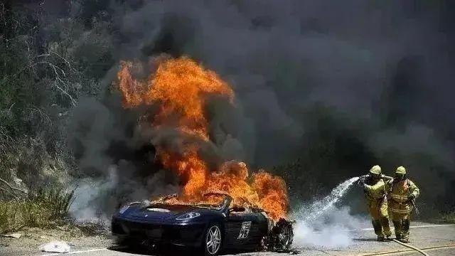 新能源汽车起火怎么办?扑救规程来了!