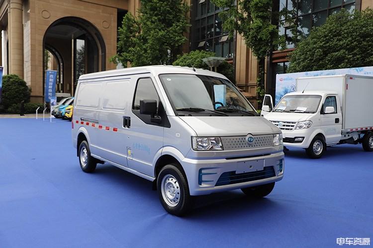 用丰富可靠的产品为用户服务 瑞驰新能源物流车EC35Ⅲ、EK01S正式登场