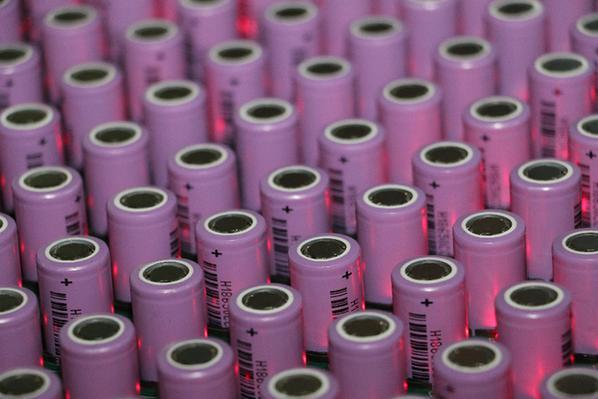 新能源汽车电池三问:安全?标准化?污染隐患?