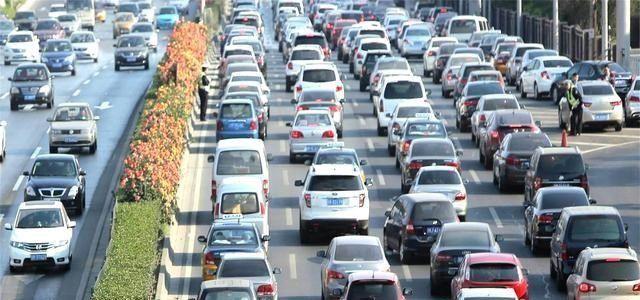 燃油车时代过去?专家建议逐步淘汰燃油车,海南省先实行禁售政策